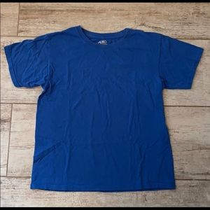 Boys goldtoe four T-shirts in size large worn once